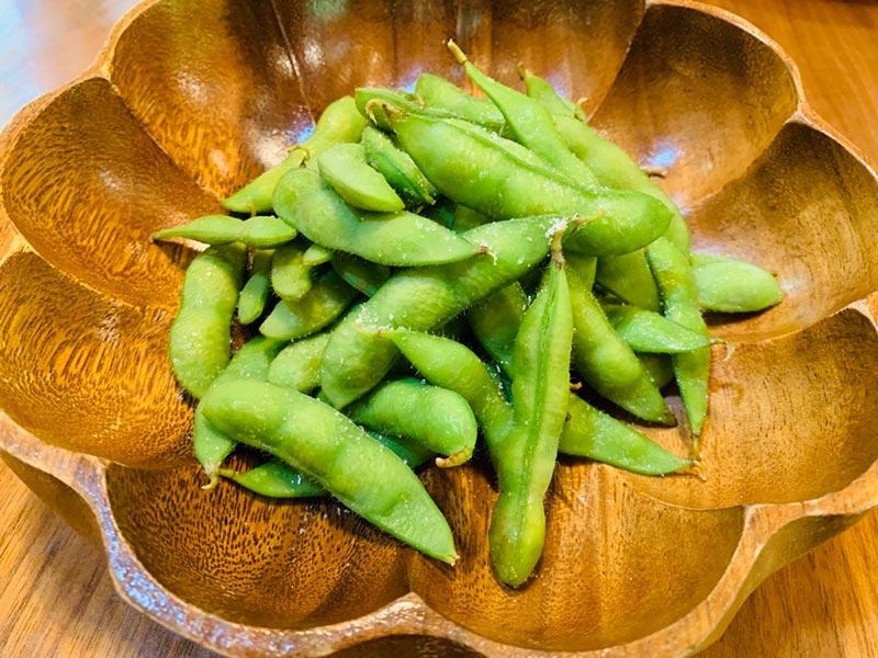 軽井沢 貸別荘 ペンチュグループの手軽にBBQ食材デリバリーサービス、地元の美味しい肉。お野菜などをカットしてお届け。枝豆